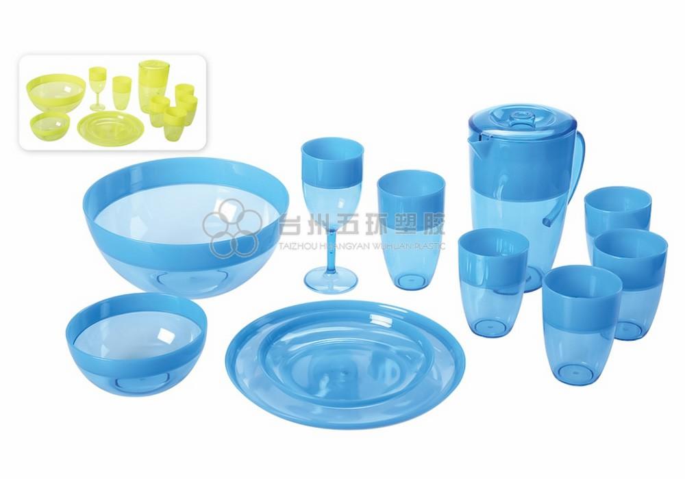 plastic picnic dinnerware set