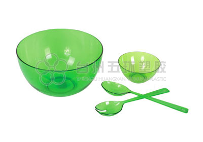 Round plastic salad bowl set